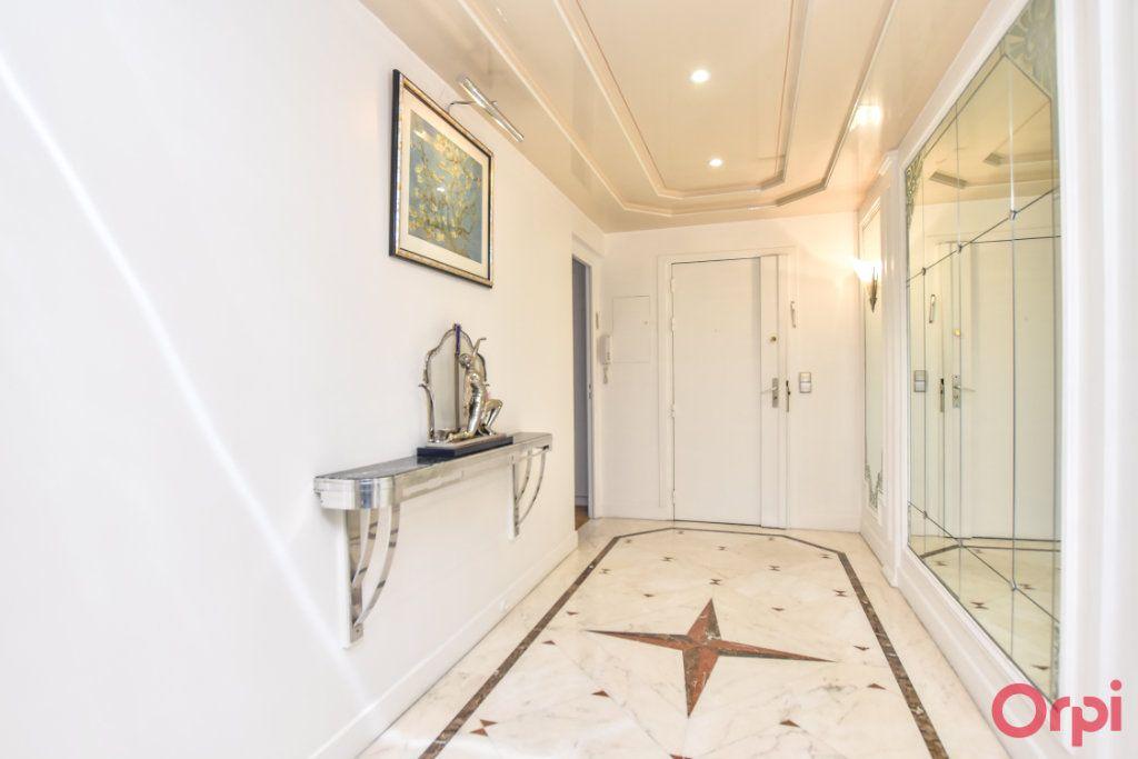 Appartement à vendre 5 148m2 à Paris 20 vignette-1