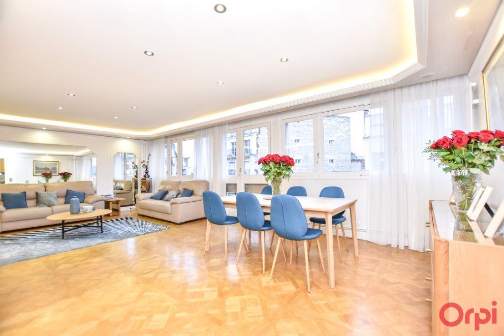 Appartement à vendre 5 148m2 à Paris 20 vignette-3