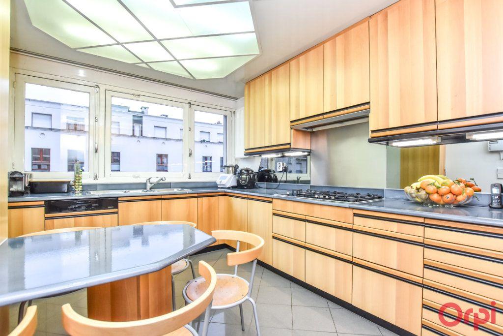 Appartement à vendre 5 148m2 à Paris 20 vignette-4