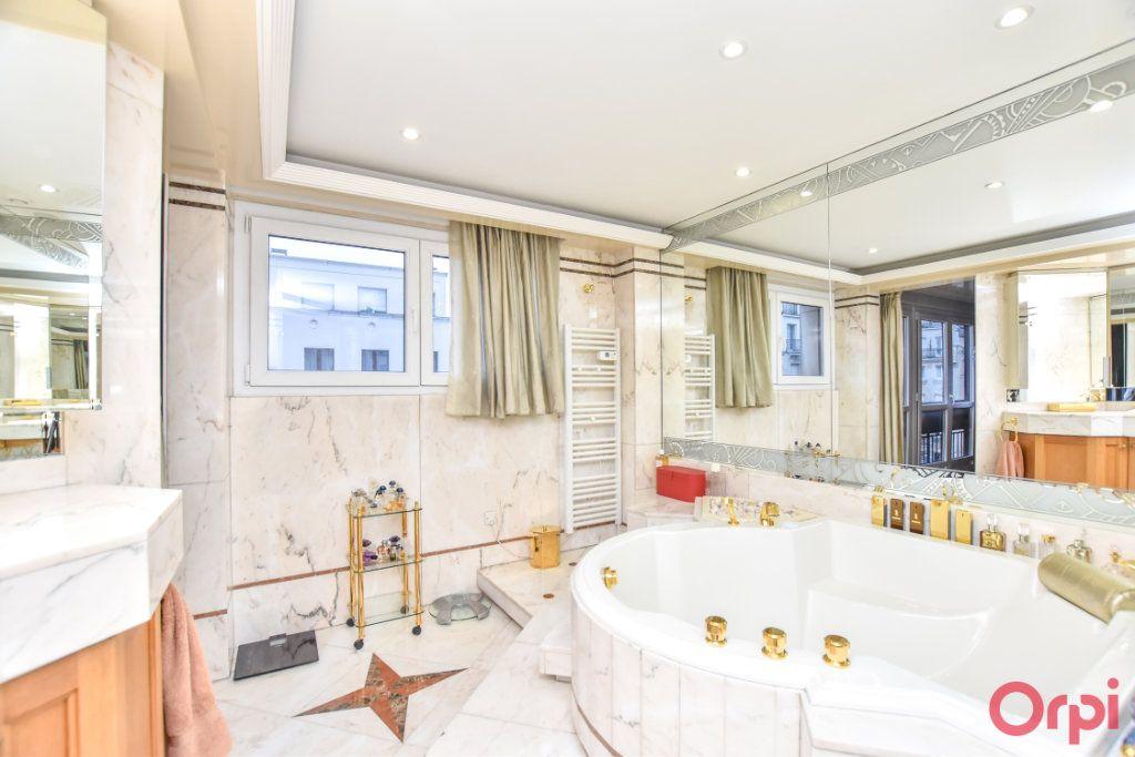 Appartement à vendre 5 148m2 à Paris 20 vignette-6