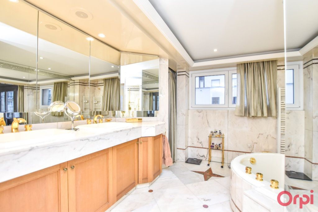 Appartement à vendre 5 148m2 à Paris 20 vignette-7
