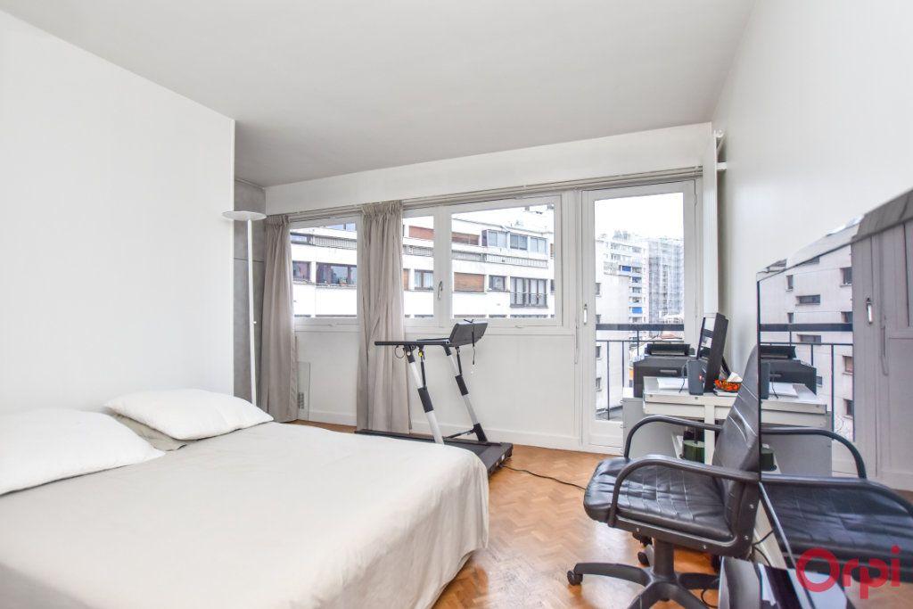 Appartement à vendre 5 148m2 à Paris 20 vignette-8