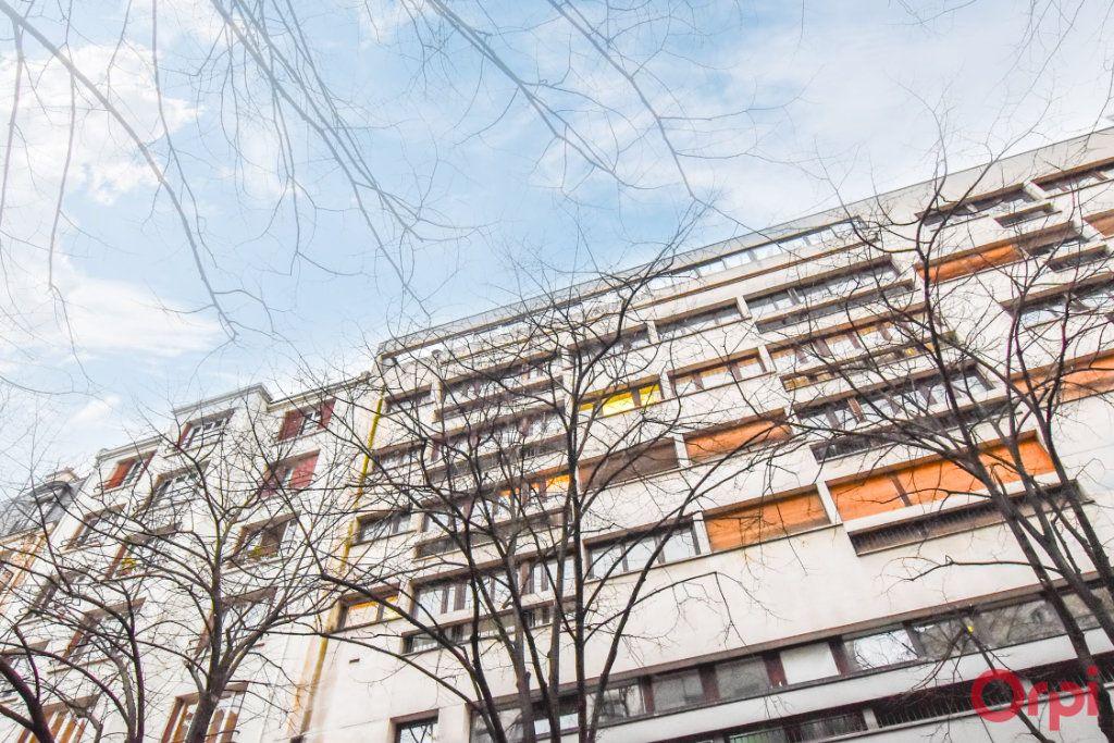 Appartement à vendre 5 148m2 à Paris 20 vignette-11