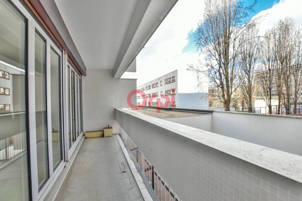 Appartement à vendre 3 66.08m2 à Paris 12 vignette-1