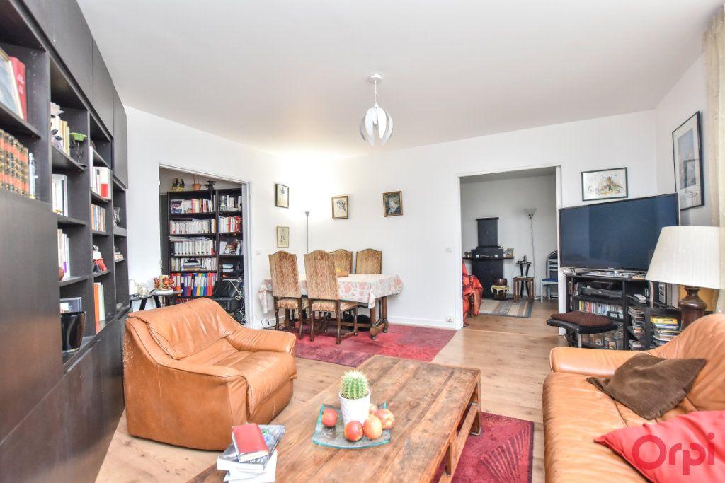 Appartement à vendre 4 88m2 à Paris 11 vignette-2