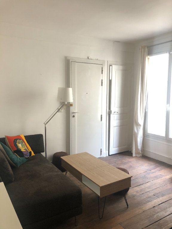 Appartement à louer 2 28.35m2 à Paris 11 vignette-1