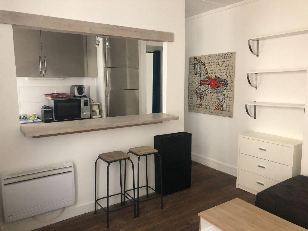 Appartement à louer 2 28.35m2 à Paris 11 vignette-2
