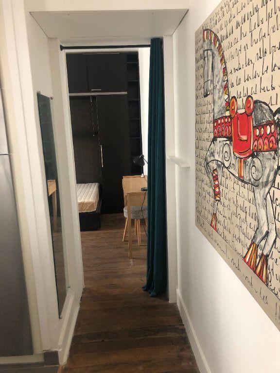Appartement à louer 2 28.35m2 à Paris 11 vignette-4
