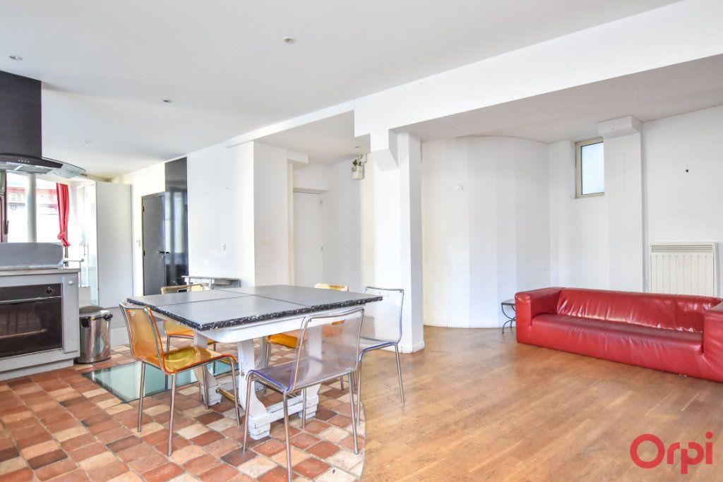 Appartement à vendre 3 70m2 à Paris 20 vignette-1