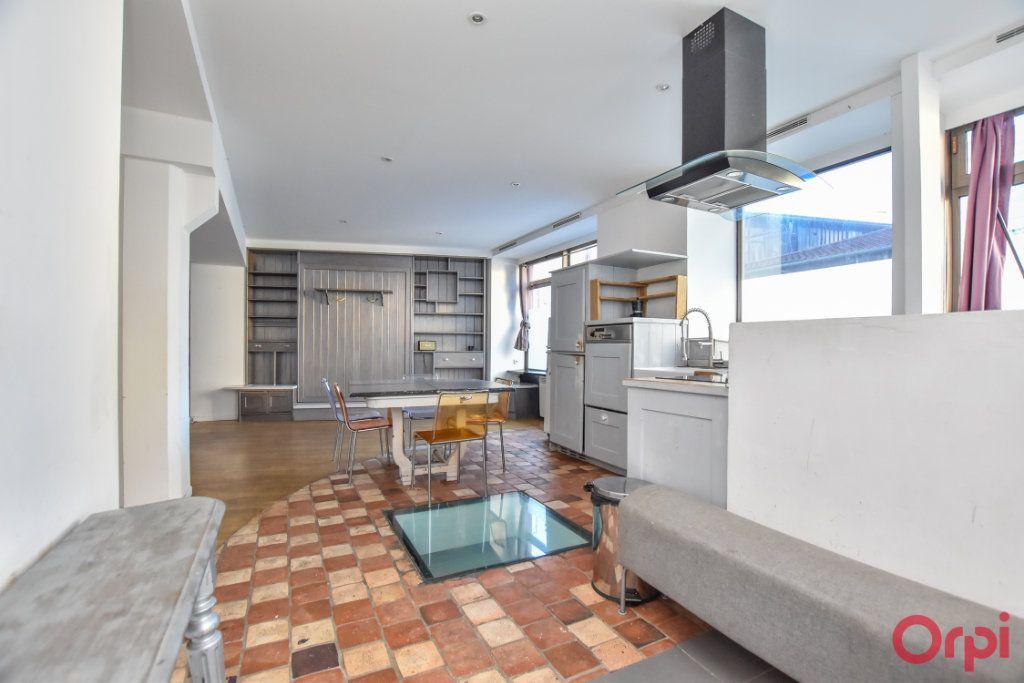 Appartement à vendre 3 70m2 à Paris 20 vignette-3