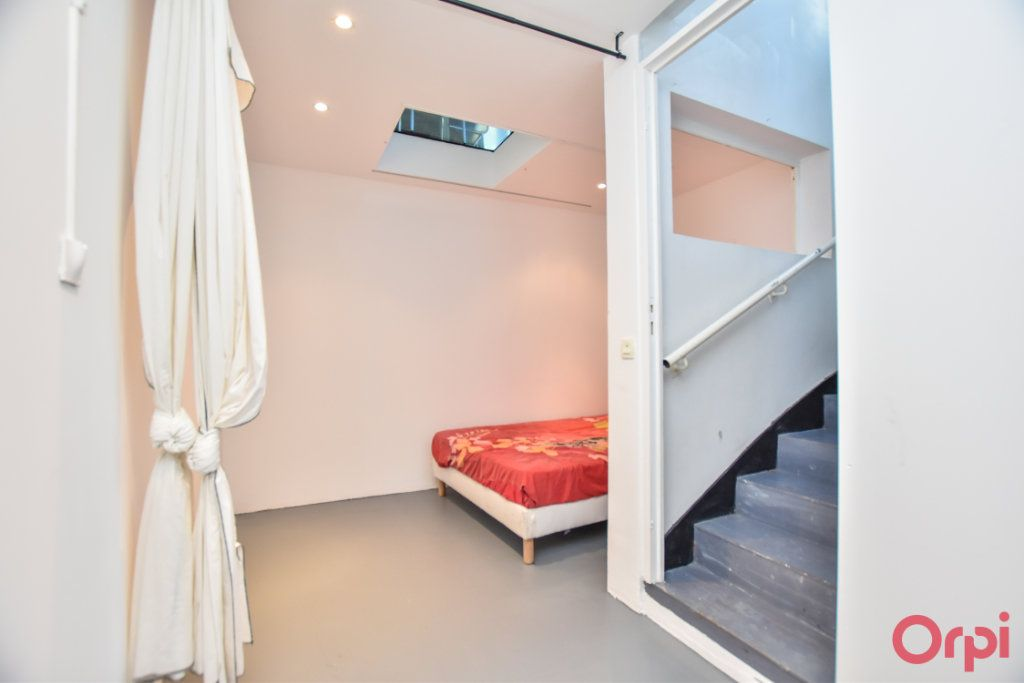 Appartement à vendre 3 70m2 à Paris 20 vignette-6