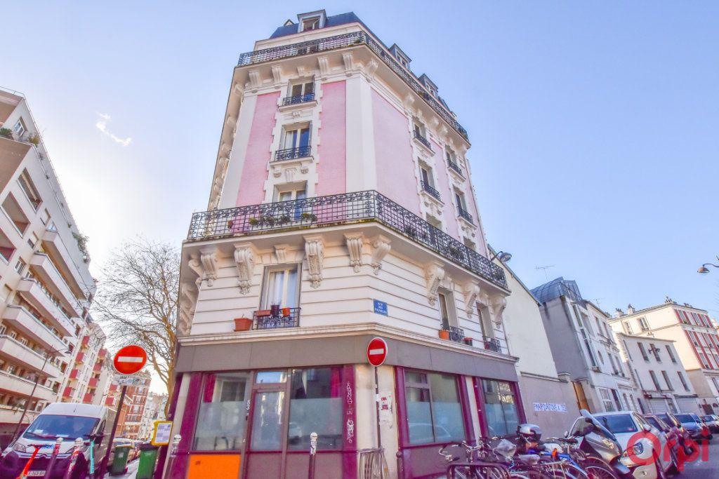 Appartement à vendre 3 70m2 à Paris 20 vignette-8