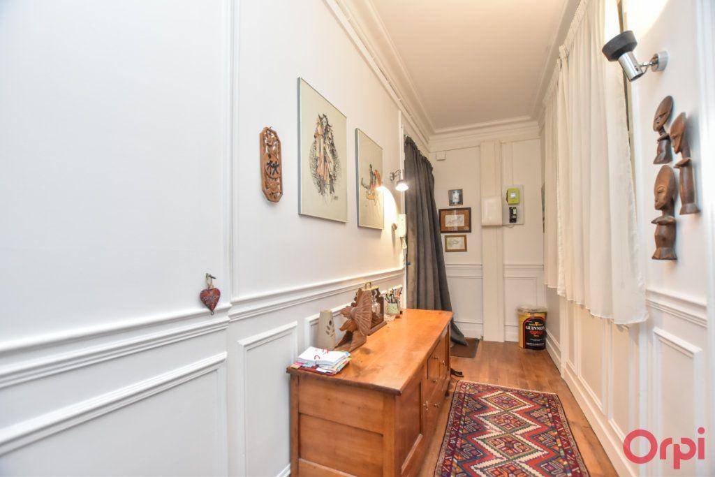 Appartement à vendre 4 94m2 à Paris 19 vignette-4
