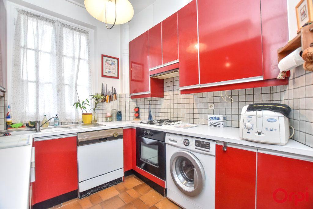 Appartement à vendre 4 94m2 à Paris 19 vignette-10