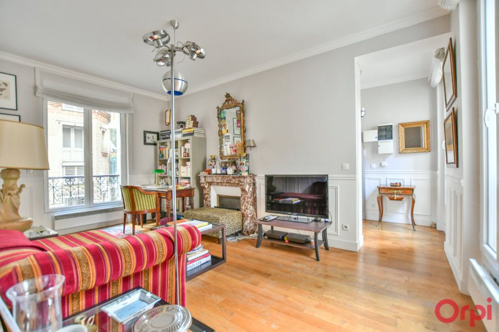 Appartement à vendre 2 45m2 à Paris 14 vignette-2