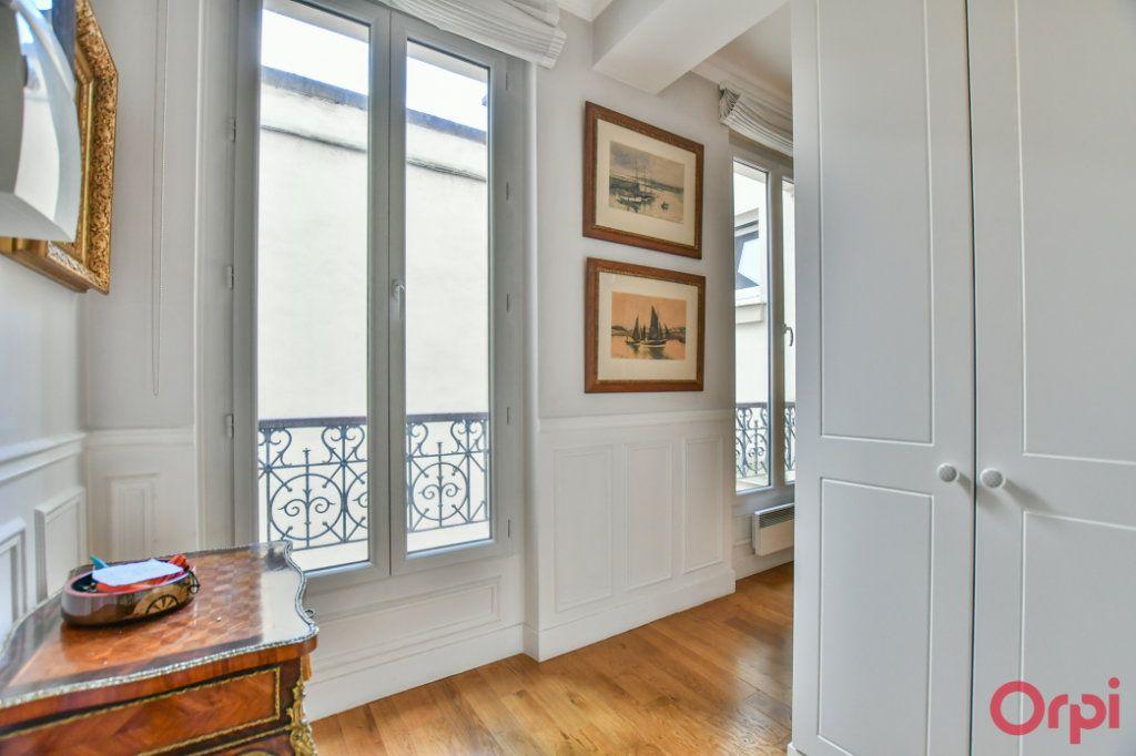 Appartement à vendre 2 45m2 à Paris 14 vignette-3