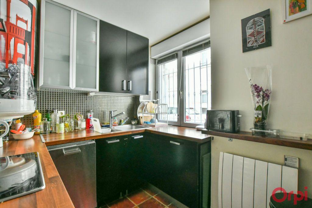Appartement à vendre 4 77m2 à Paris 11 vignette-4