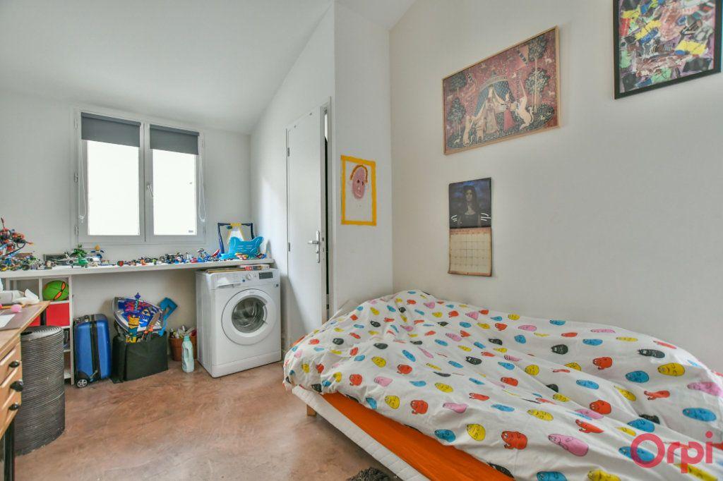 Appartement à vendre 4 77m2 à Paris 11 vignette-6