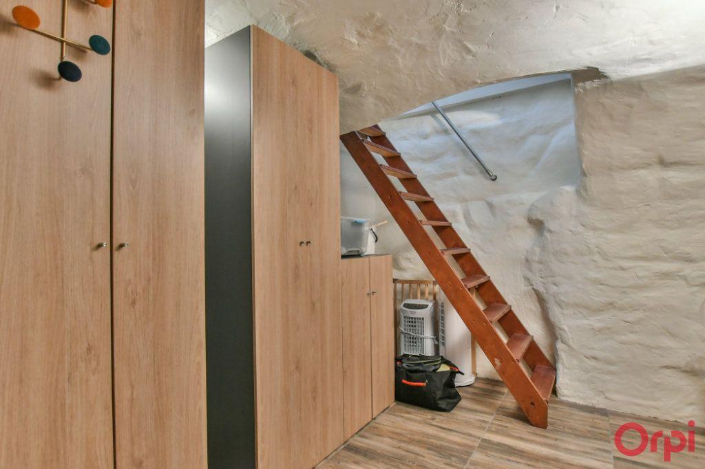 Appartement à vendre 4 77m2 à Paris 11 vignette-10
