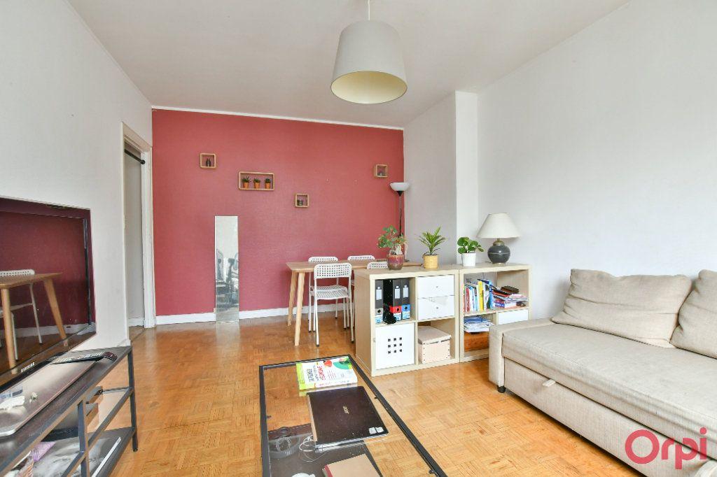 Appartement à vendre 2 51.1m2 à Paris 11 vignette-5