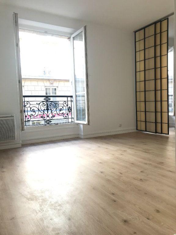 Appartement à louer 2 36m2 à Paris 12 vignette-1