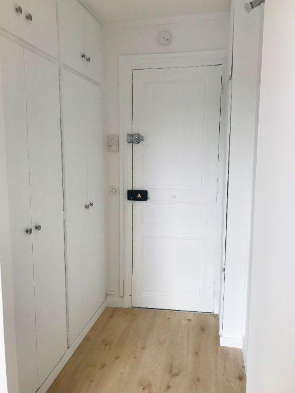 Appartement à louer 2 36m2 à Paris 12 vignette-5