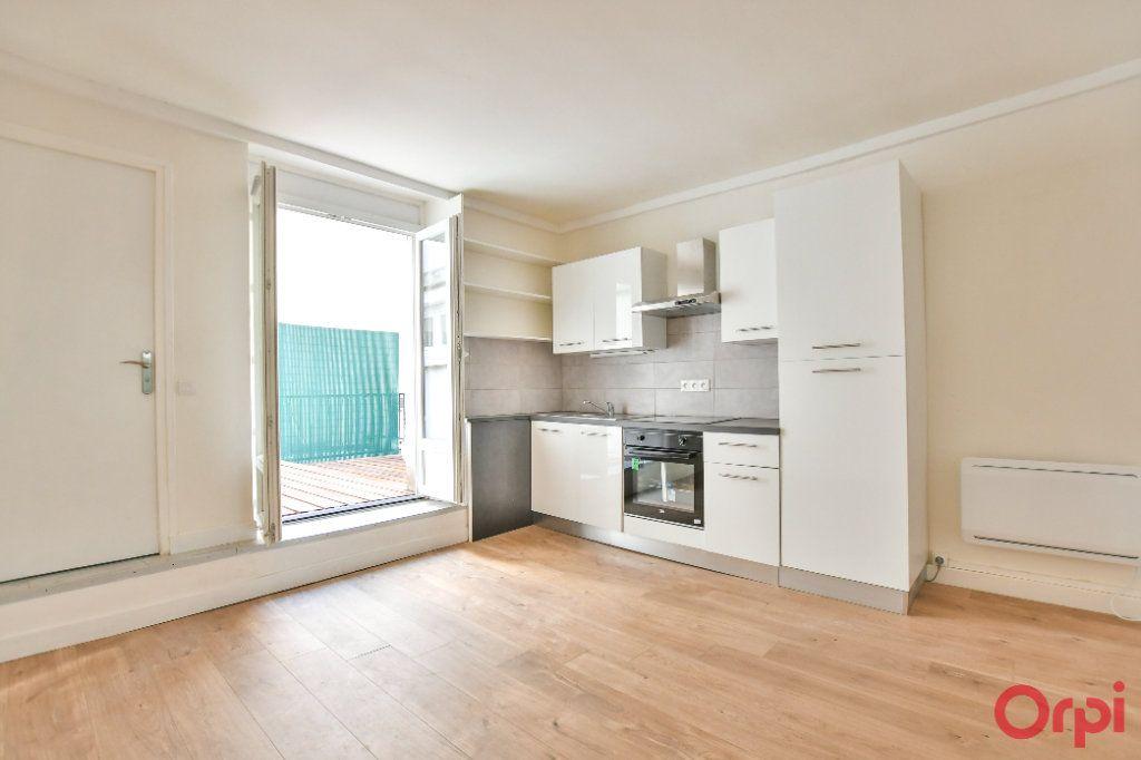 Appartement à vendre 1 21m2 à Paris 11 vignette-1