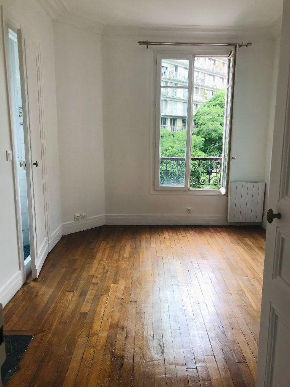 Appartement à louer 2 32.5m2 à Paris 11 vignette-3