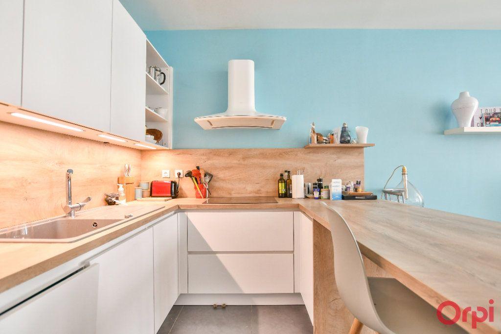 Appartement à vendre 2 47m2 à Paris 20 vignette-2