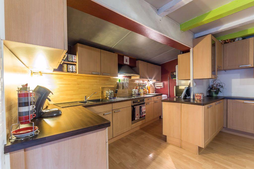 Appartement à vendre 5 96.44m2 à Rumilly vignette-3