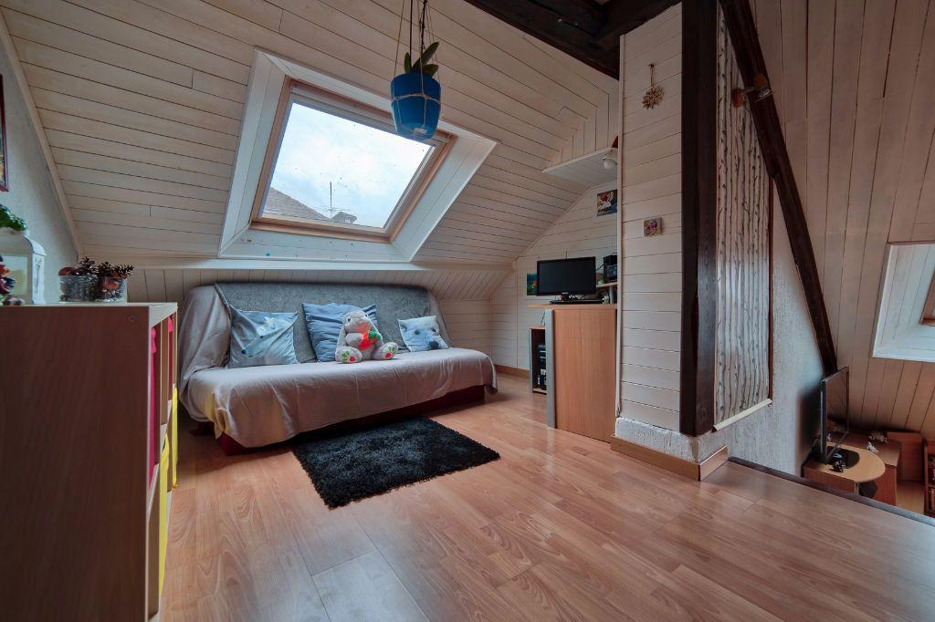 Appartement à vendre 5 96.44m2 à Rumilly vignette-5