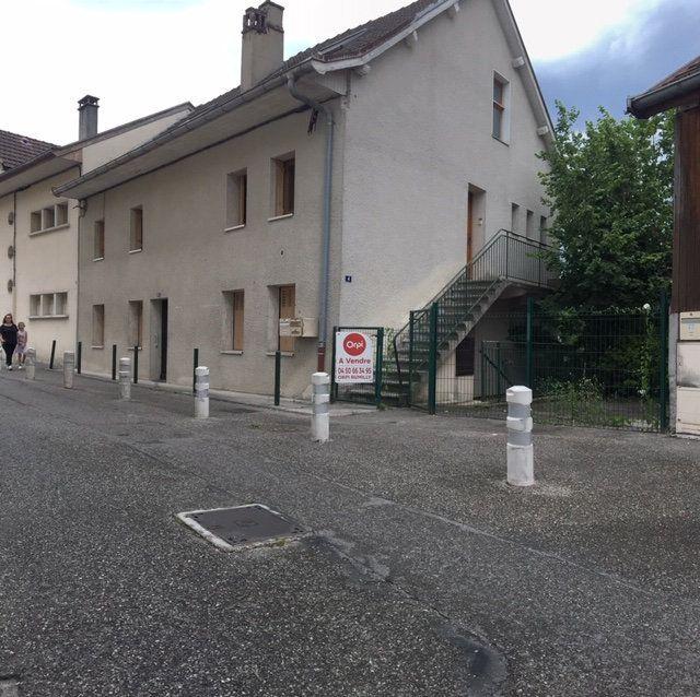 Maison à vendre 9 178.65m2 à Rumilly vignette-1