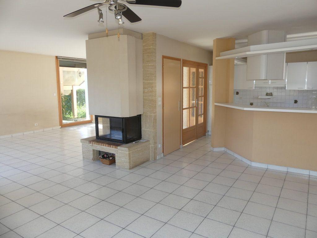 Maison à vendre 8 200m2 à Rumilly vignette-2
