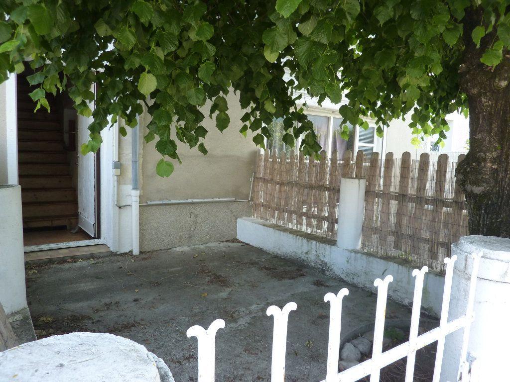 Maison à vendre 6 125m2 à Menthonnex-sous-Clermont vignette-8