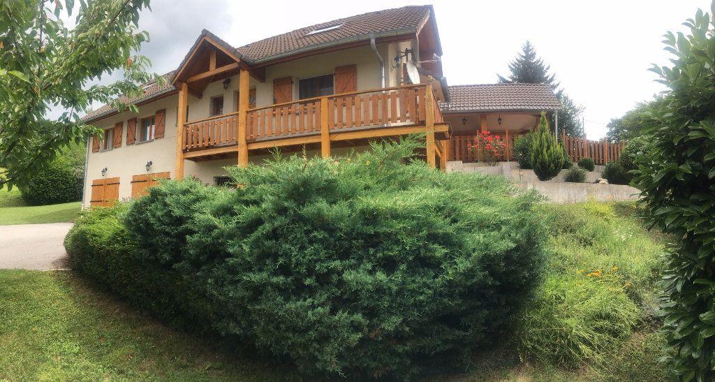 Maison à vendre 5 260m2 à Val-de-Fier vignette-1