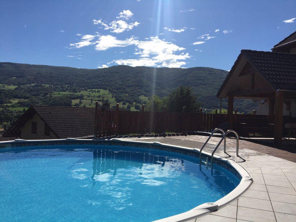 Maison à vendre 5 260m2 à Val-de-Fier vignette-3