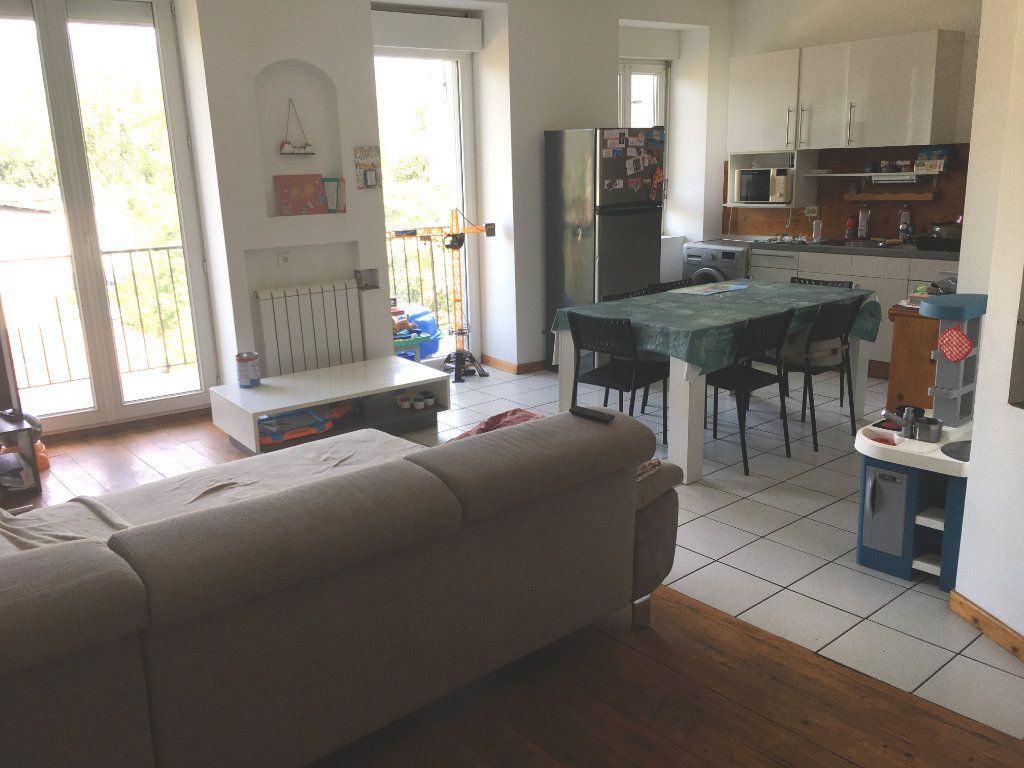 Appartement à vendre 5 93.1m2 à Rumilly vignette-2