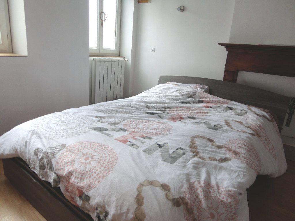Appartement à vendre 5 93.1m2 à Rumilly vignette-4