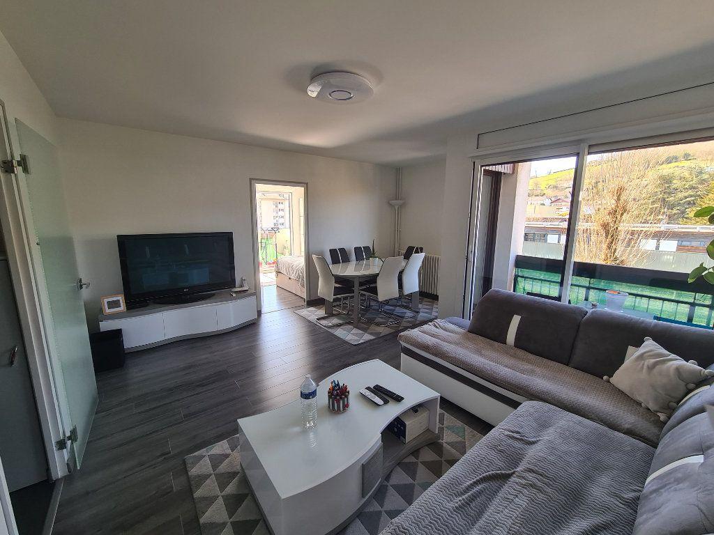 Appartement à vendre 4 74m2 à Rumilly vignette-2