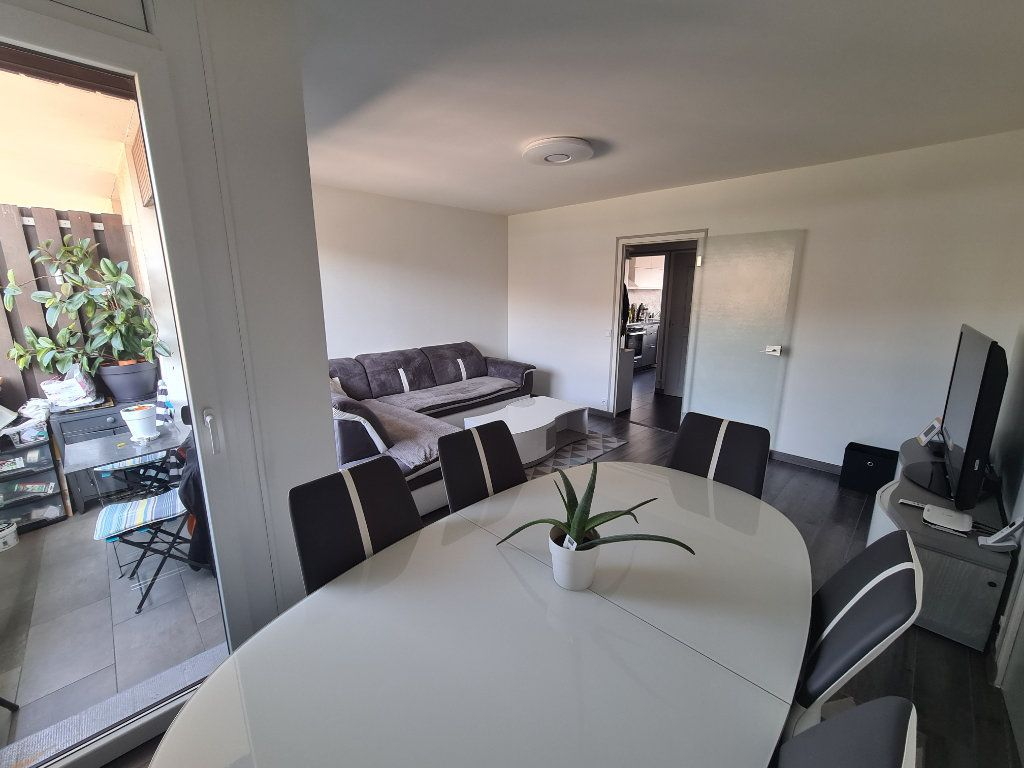 Appartement à vendre 4 74m2 à Rumilly vignette-3