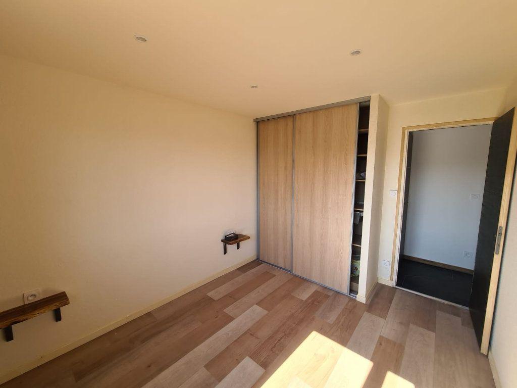 Appartement à vendre 3 67.29m2 à Rumilly vignette-5