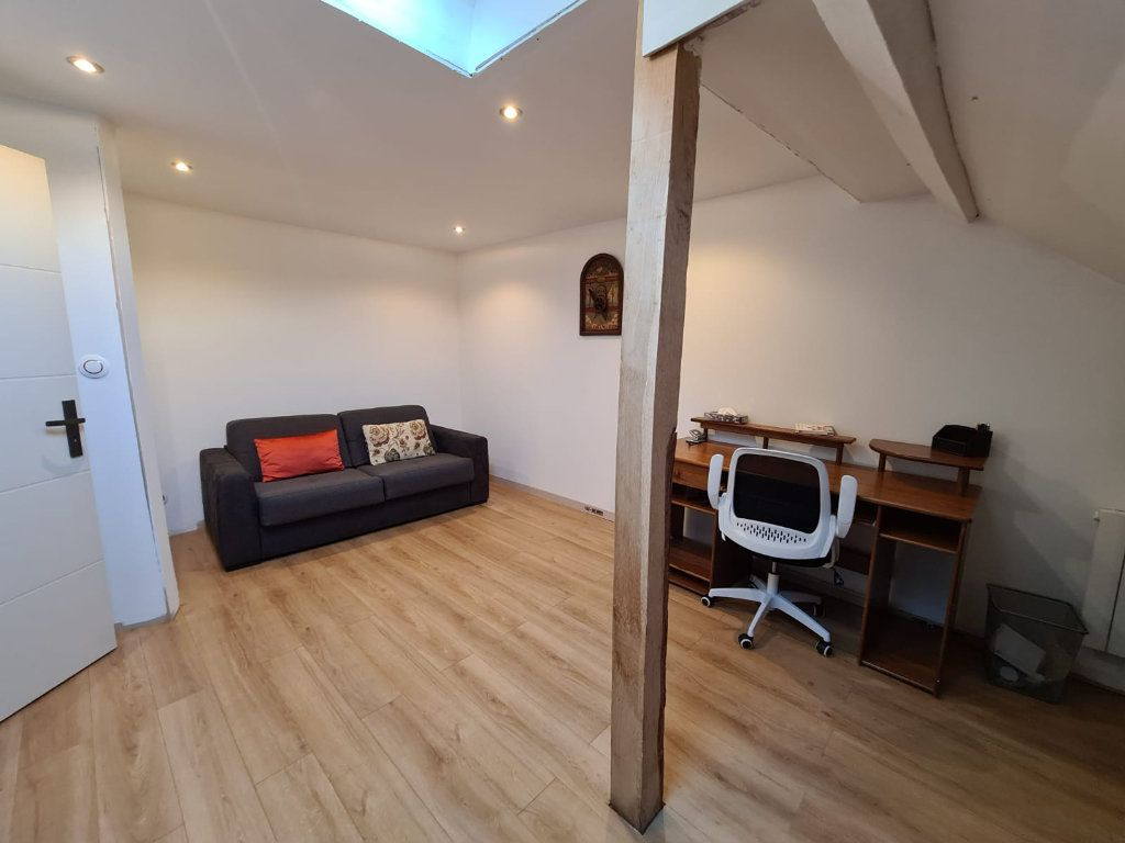Maison à vendre 6 214.84m2 à Hauteville-sur-Fier vignette-5