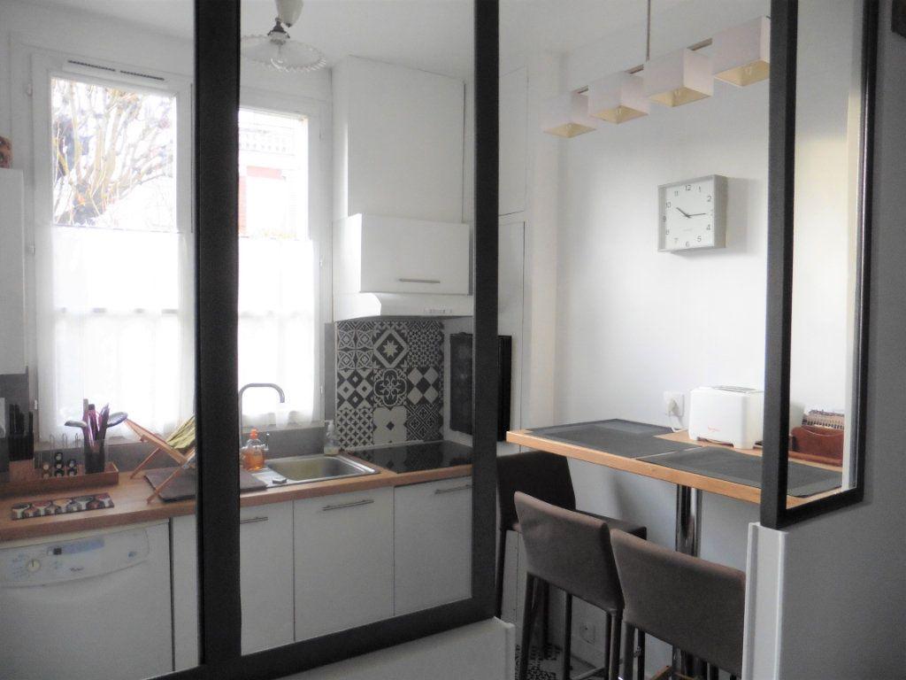 Appartement à vendre 3 60.96m2 à Saint-Germain-en-Laye vignette-3