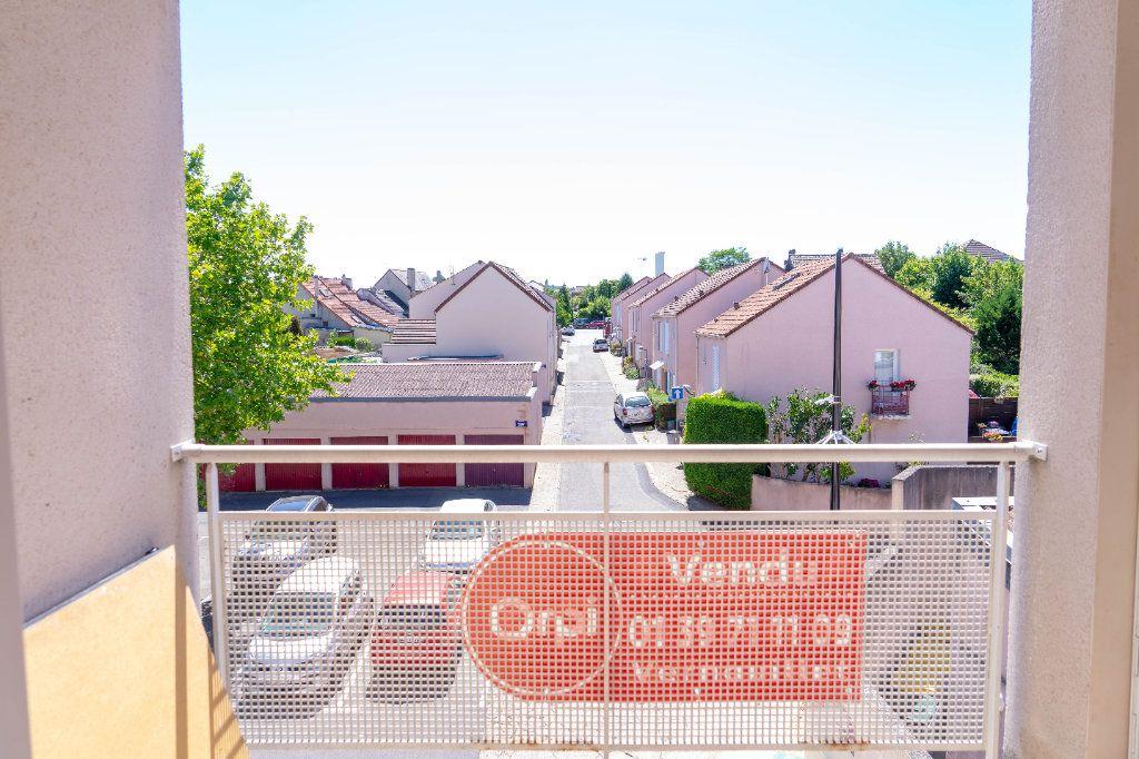 Appartement à vendre 3 67.1m2 à Vernouillet vignette-1