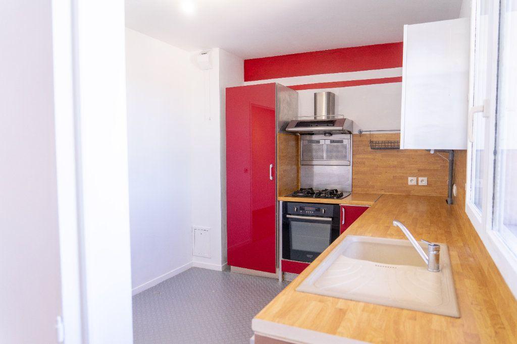 Appartement à vendre 3 67.1m2 à Vernouillet vignette-2