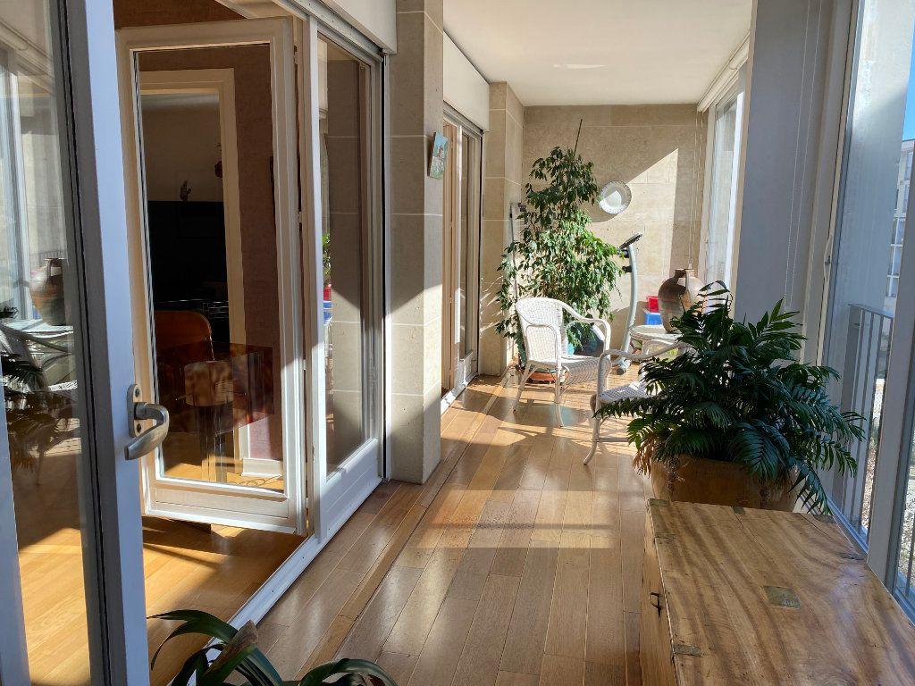 Appartement à vendre 5 123m2 à Chatou vignette-1