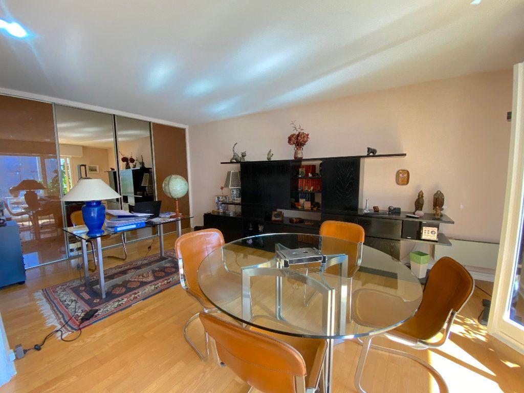 Appartement à vendre 5 123m2 à Chatou vignette-3