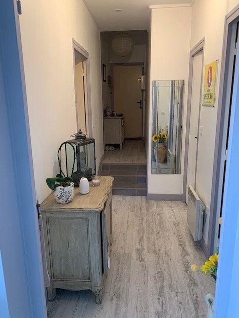 Appartement à vendre 7 150m2 à Ecquevilly vignette-6
