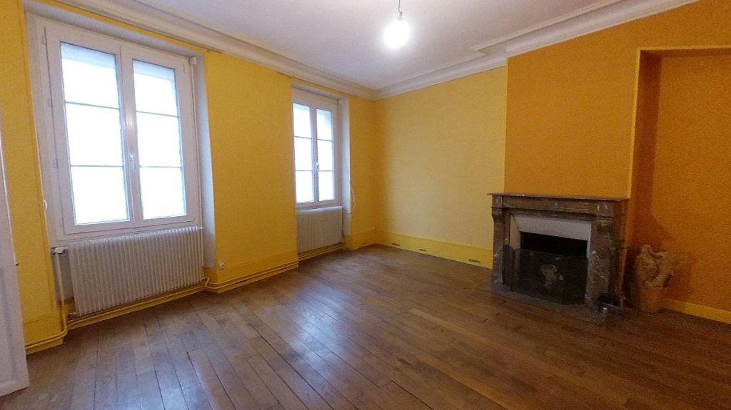 Appartement à vendre 3 50.63m2 à Saint-Germain-en-Laye vignette-2