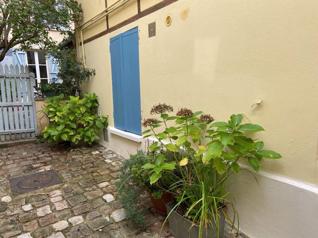 Appartement à vendre 3 50.63m2 à Saint-Germain-en-Laye vignette-4